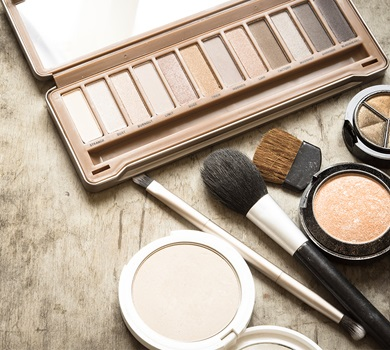 5 makeup tips for ageless eye